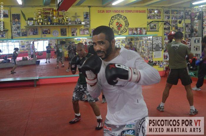 Giovanni Diniz aos 39 anos apresenta uma forma invejável e um boxe de alta performance