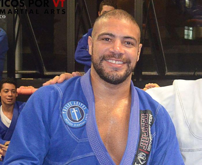Thales Leites grande fera da Nova União, atleta do UFC