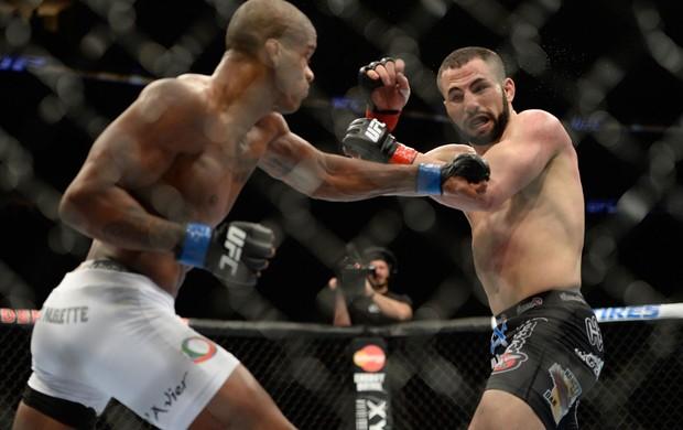 Alan Nuguette venceu John Makdessi no UFC 169 - Barao vs. Faber 2 / Créditos: Divulgação