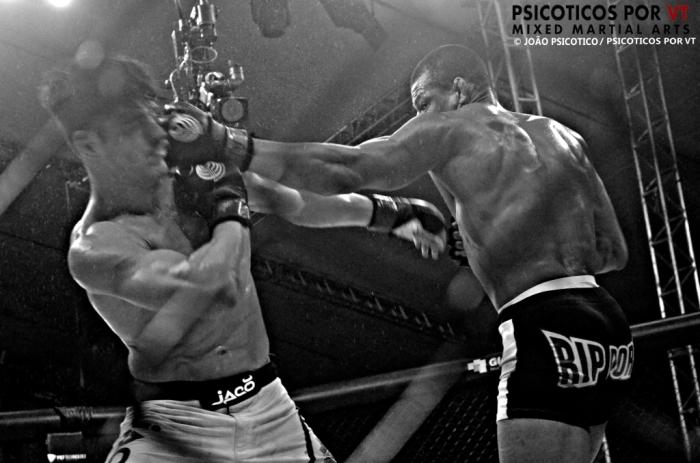 Cowboy venceu o ex Tuf Peregrino em sua luta antes de assinar com o UFC