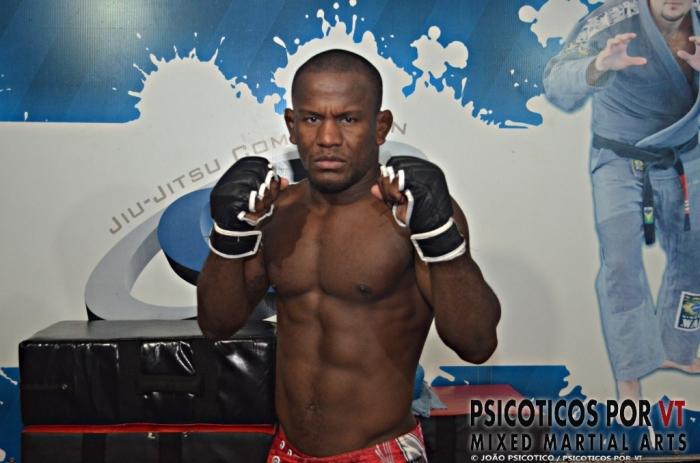 Jamilson Dadozinho atleta da TFT enfrenta Reyzinho Duarte em um classifico do MMA Nacional