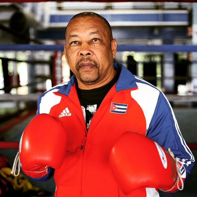 Cubano Isidoro Nícolas instrutor de Boxe