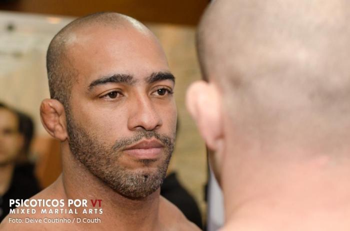 Rafael Viana defende seu título na divisão até 93kg diante de Amilcar Alves