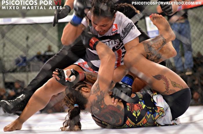 Priscila Souza venceu Luciana Pereira novamente e manteve cinturão até 61,2kg