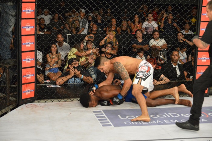 Benito Tavares bateu Alcides Nunes na co-luta mais importante da noite. Foto: Felipe Fiorito