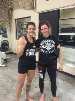 Poliana está realizando período de treinos nos Estados Unidos com Miesha Tate