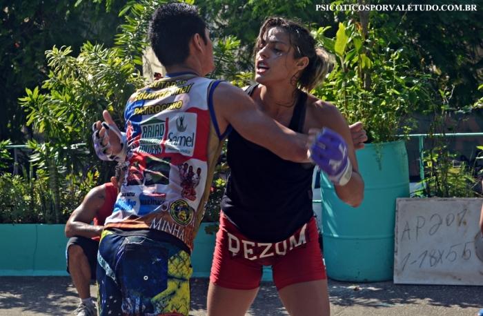 Poliana Botelho é a campeã mundial dos moscas do XFC