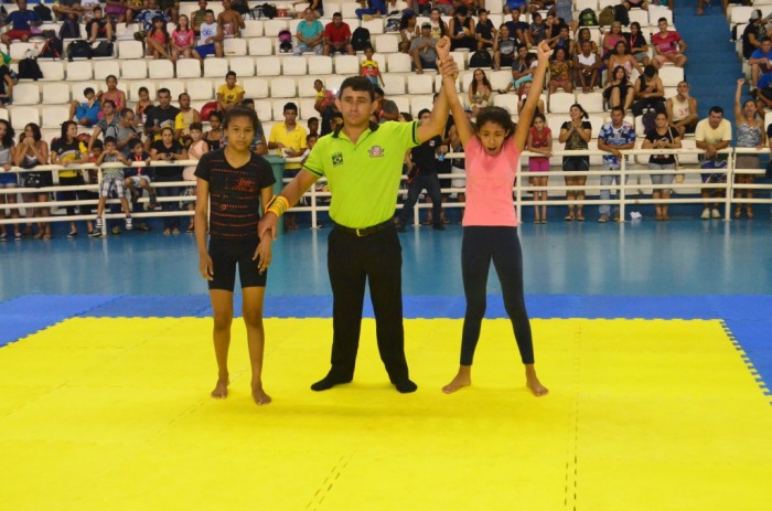 SUBMISSION - Ana Caroline é campeã pela Astra Fight 1 - foto 2 - by Raiana Barreto
