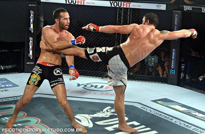 Daniel Oliveira foi derrotado por Felipe Avelar mais capturamos esse belo chute aplicado na linha de cintura de seu adversário.