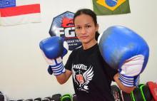Sandra Ramos na academia Fight Gear Team - by Emanuel Mendes Siqueira