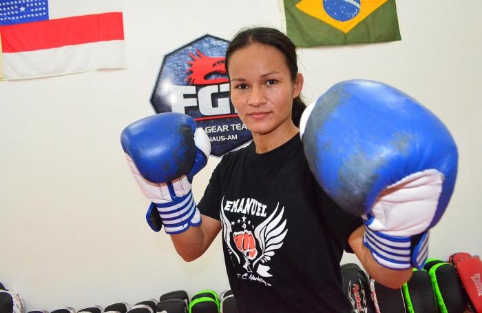 Sandra Ramos na academia Fight Gear Team - by Emanuel Mendes Siqueira