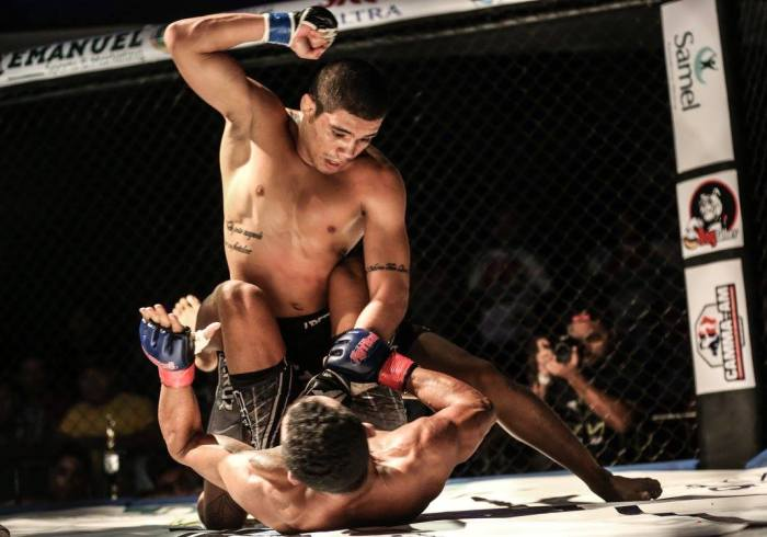 Its Time Combat 6 - Maycon Silva do AM vence Wanderlly Vagaroso do PA e mantém cinturão dos moscas - by Michael Dantas