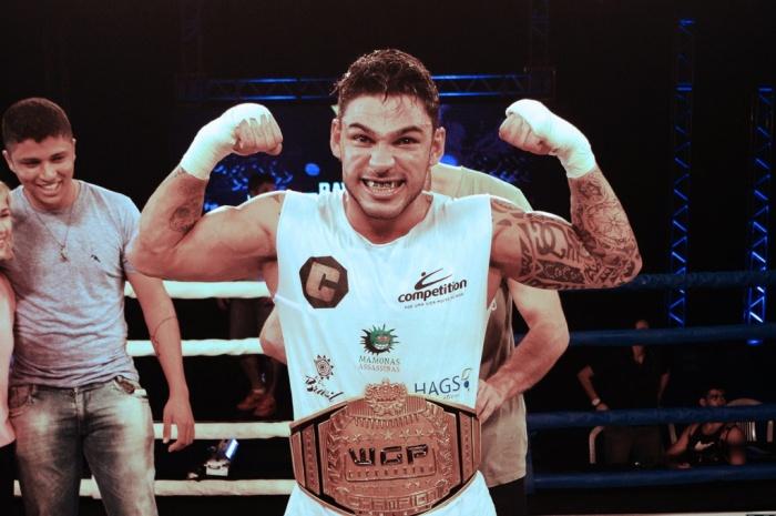 Ravy Brunow venceu novamente Bruno Gazani e manteve cinturão dos meio-médios. Foto: Silvia Matheó