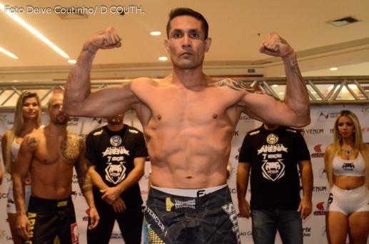 Benito Tavares luta por seu primeiro cinturão.