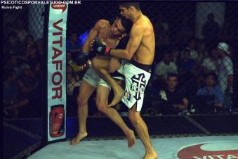 Luciano Benício fez um combate de estratégia para vencer Matheus Malta. Foto: Ruiva Fight