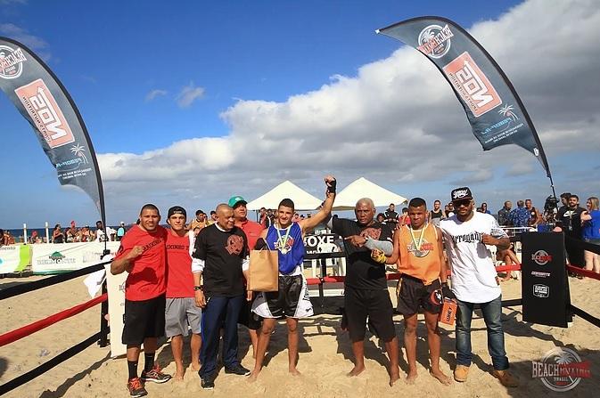 O beach boxing é a nova modalidade das praias cariocas (Pedro Monteiro)