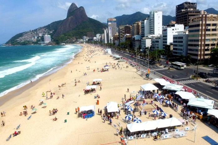 A estrutura do Circuito de Boxe de Praia na praia do Leblon (Pedro Monteiro)