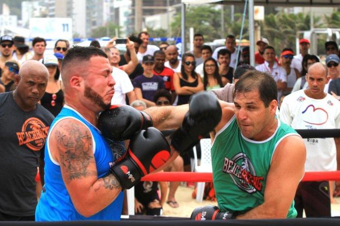 Giovanni Tonzano conectou os melhores golpes para vencer a Superluta (Pedro Monteiro)