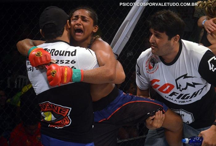 Invicta no MMA nacional Viviane agora terá novos desafios no UFC
