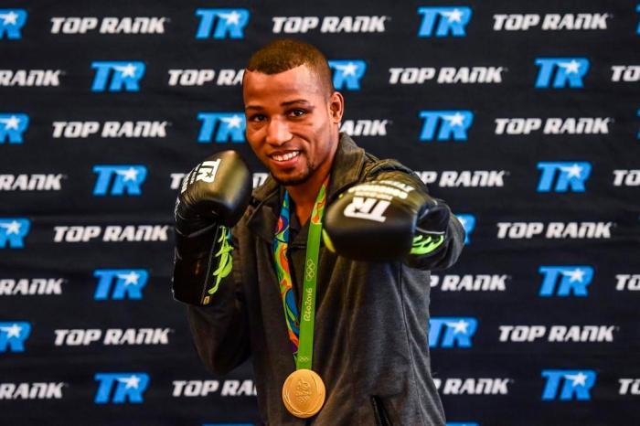 Robson Conceição, medalha de ouro nos Jogos Olímpicos Rio 2016, foi anunciado nesta sexta-feira, dia 9, como novo boxeador profissional da Top Rank