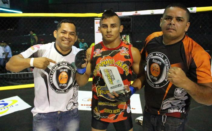 Dagoberto Jungle Boy vence Júnior Boya -   by Emanuel Mendes Siqueira