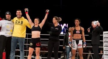 Nina Loch estreou em 2016 no MMA e quer vitória no WGP. Foto: Reinaldo Reginato
