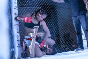 Rei da Selva 8 - Joice Mara venceu Daiany Mota - foto 2 - by Michael Dantas