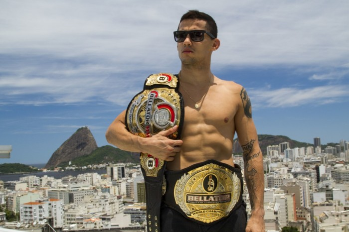 O carioca Dudu Dantas é bi campeao-peso galo do Bellator-Foto Dan Behr