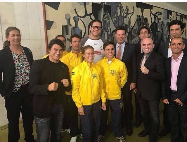 Wallid, Raí, Ana Moser, Vanderlei Cordeiro, Baby, Popó, entre outros na comitiva dos atletas