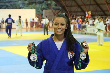 Judô - Thalia Naihara - campeã do Sub-18 e Sub-21 - foto 1 - by Emanuel Mendes Siqueira
