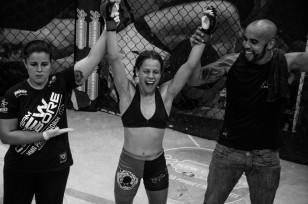 Julia Polastri ( Team New Corpore) venceu Nathielly Macuxi ( Team Denison Silva/Icon)